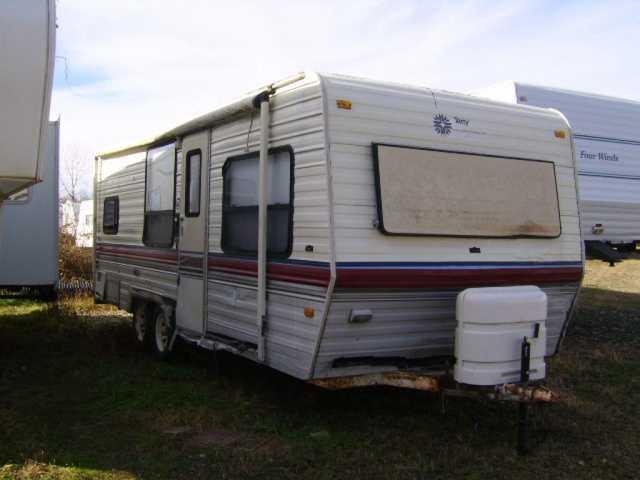 1990 Used Fleetwood Terry Resort 24C Travel Trailer in Ohio OH