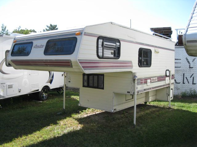 Used Rv Houston >> 1992 Used Real-Lite 9'6 TC Truck Camper in New Hampshire NH
