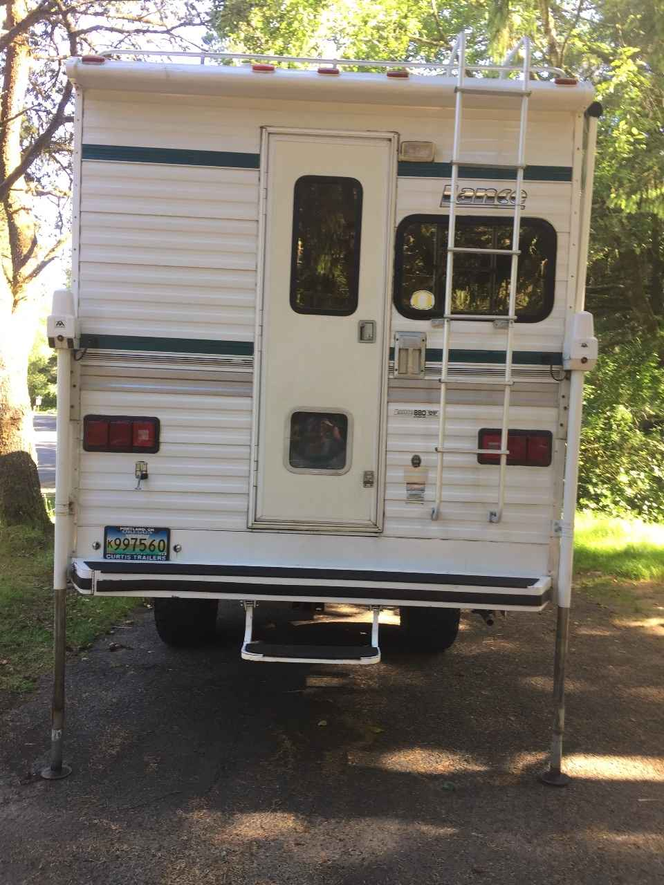 1995 Used Lance 880 Truck Camper In Oregon Or