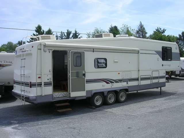 1996 Used Holiday Rambler IMPERIAL 37SCS Fifth Wheel in