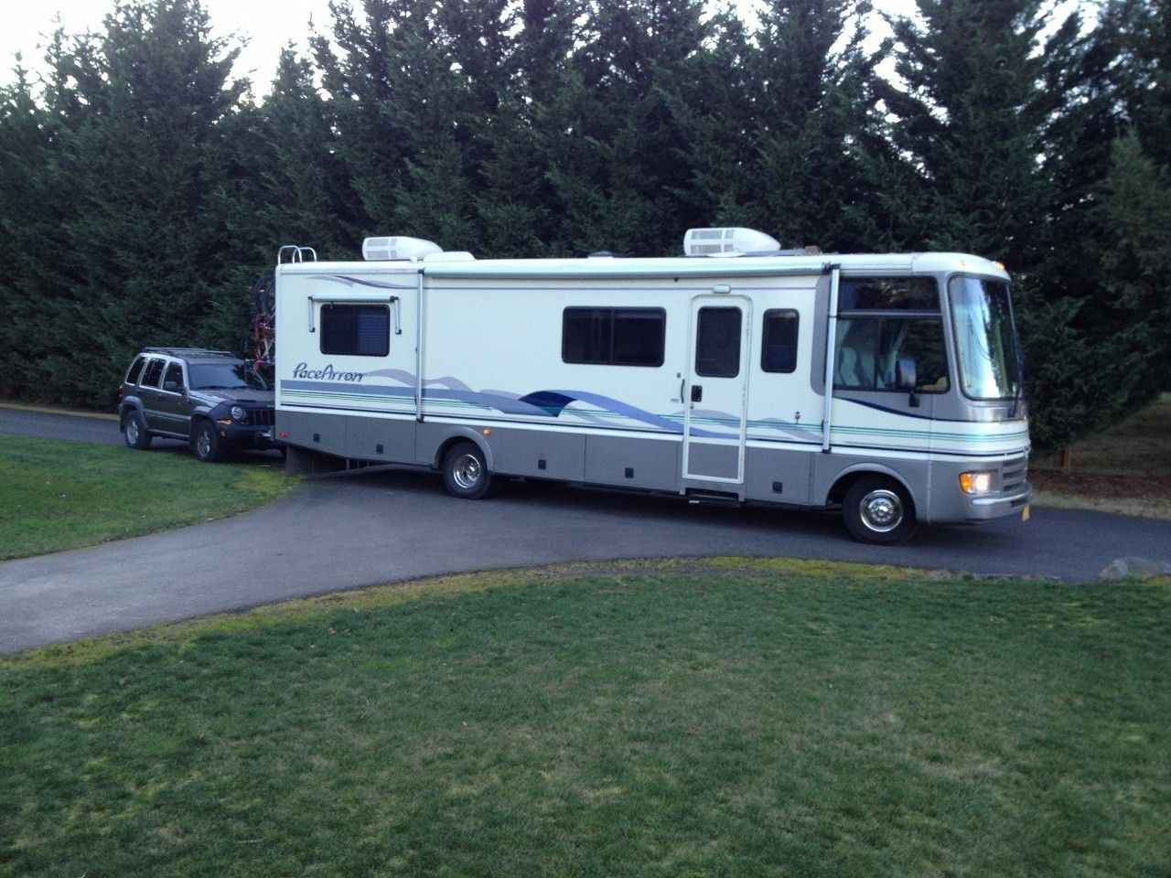 1997 Used Fleetwood Pace Arrow 33g Class A In Oregon Or