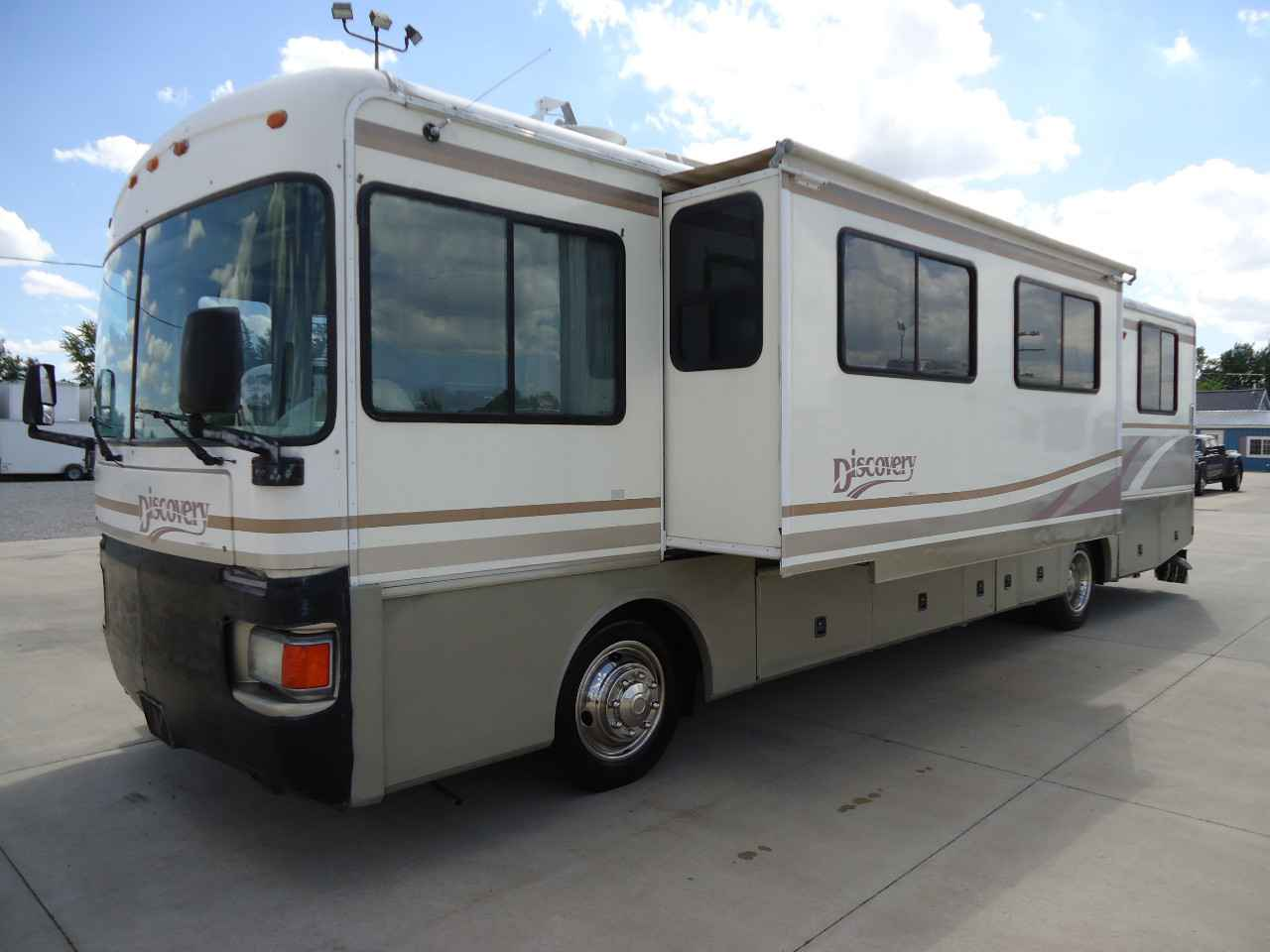 1998 Used Fleetwood Discovery Class A In Ohio Oh