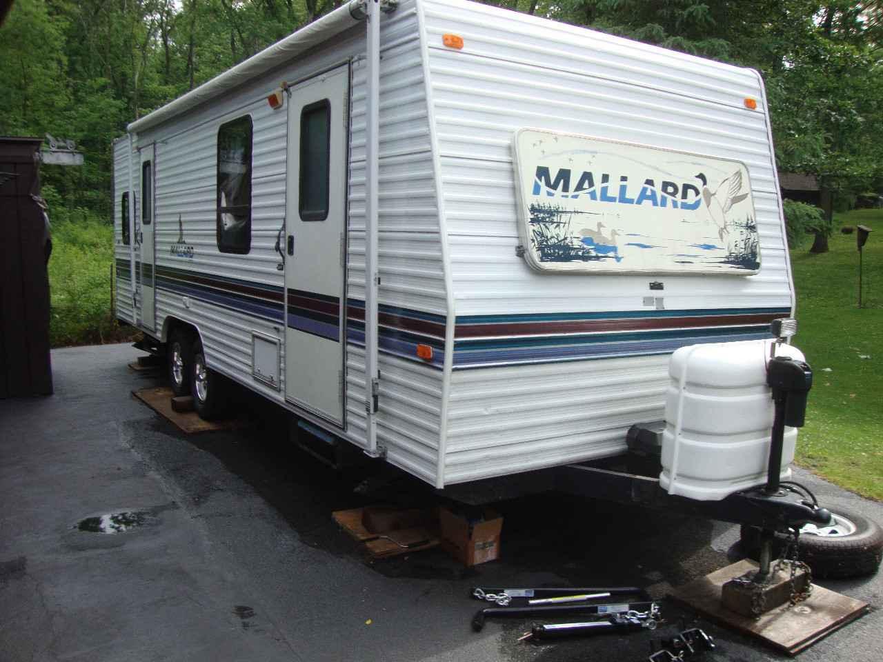 1998 Used Fleetwood Mallard 27 Travel Trailer In Illinois Il