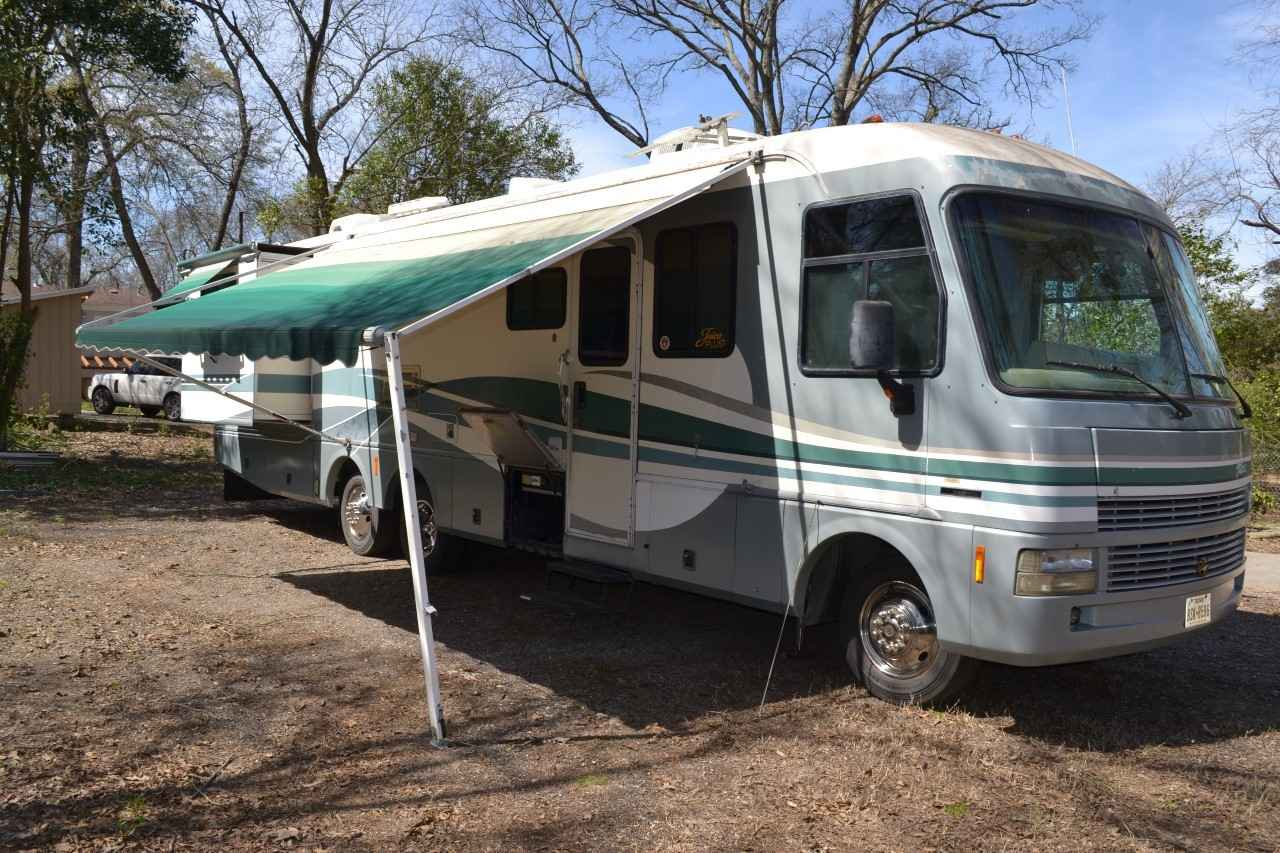 1998 Used Fleetwood Pace Arrow 36b Class A In Texas Tx