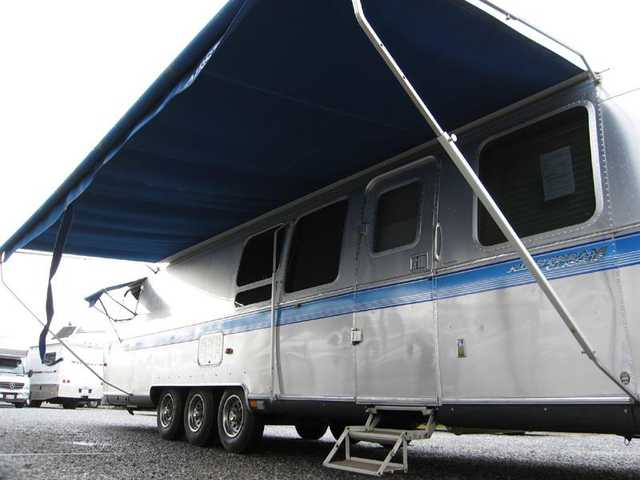 1999 Used Airstream Excella 1000 34w Queen Classic Travel