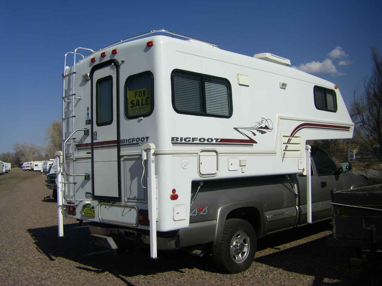 1999 Used Bigfoot 2500 SERIES 25C9 4LB Truck Camper in Colorado CO
