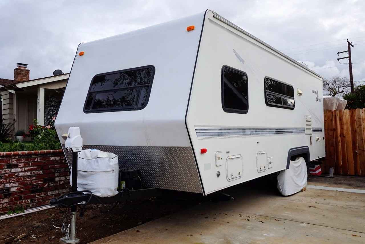 2000 Used Northwood Mfg Arctic Fox 22h Travel Trailer In