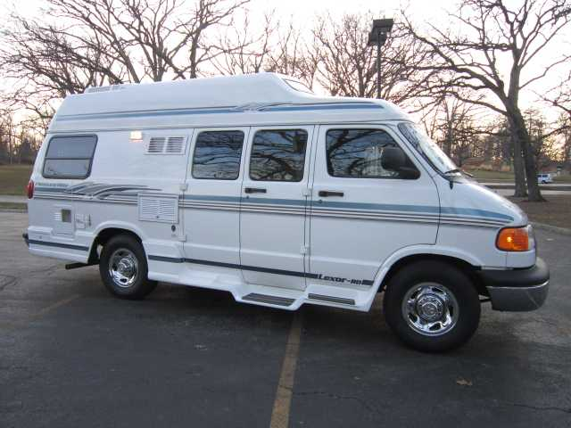 2000 Used Pleasure Way Lexor Rd Class B In Illinois Il