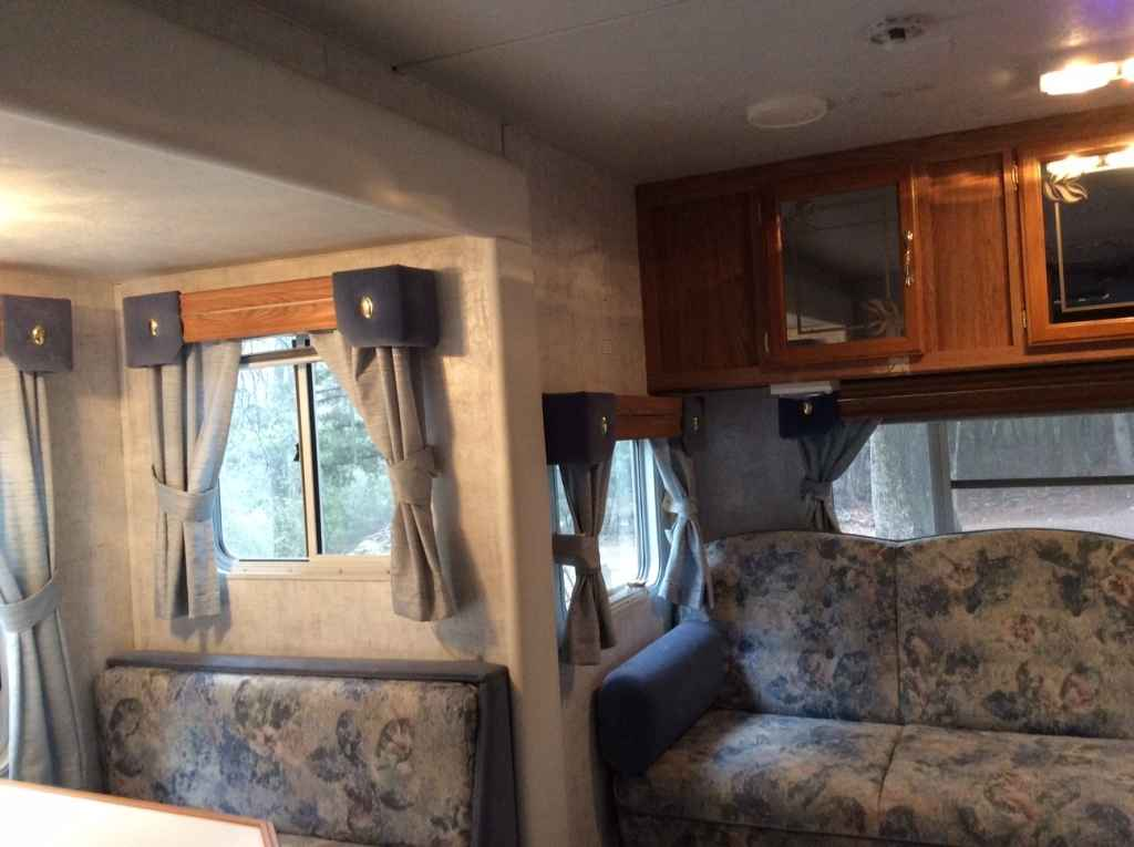 2000 Used Sunnybrook Mobile Scout 26fk Travel Trailer In