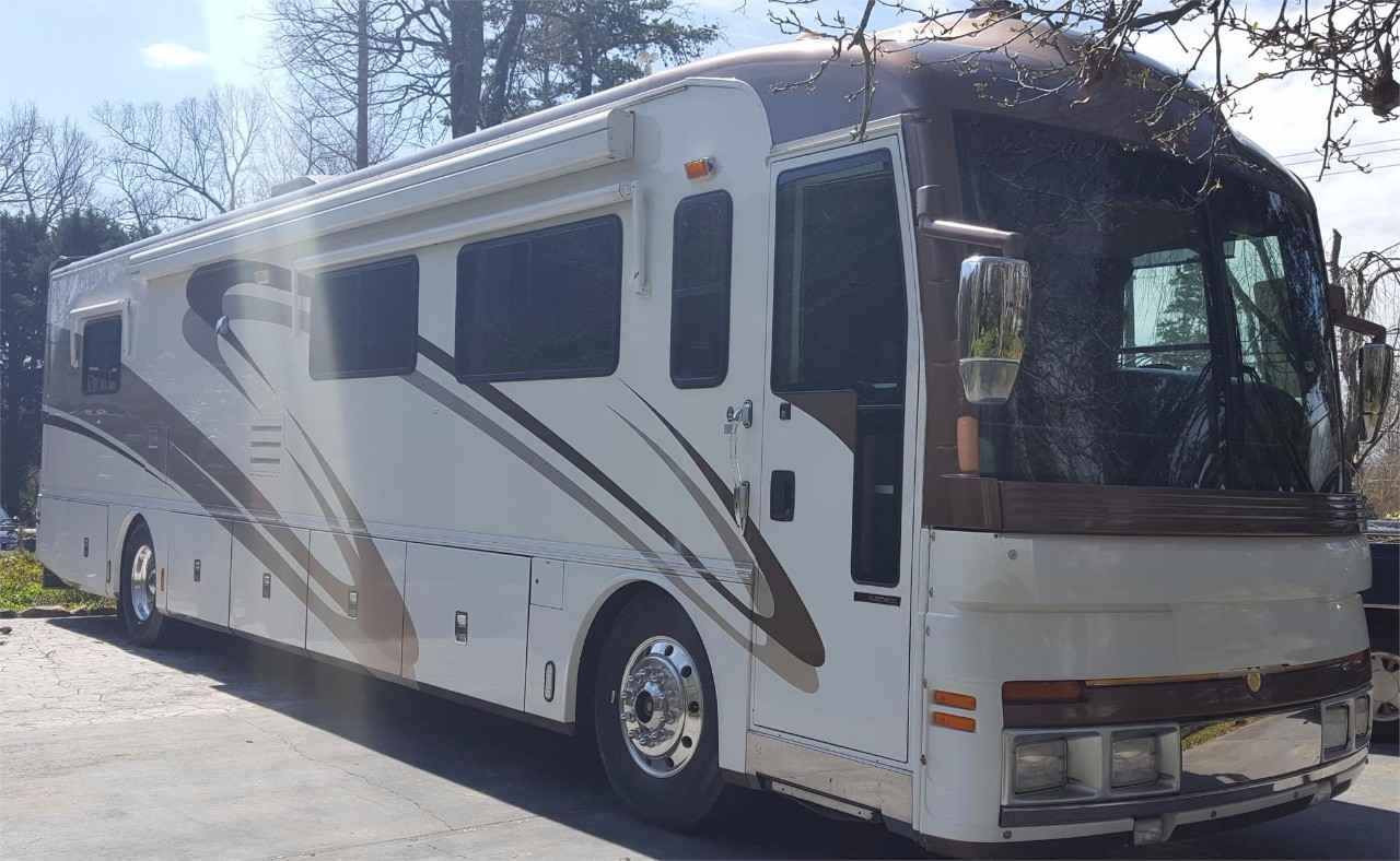 2001 used fleetwood american eagle 40eqs class b in north carolina nc. Black Bedroom Furniture Sets. Home Design Ideas