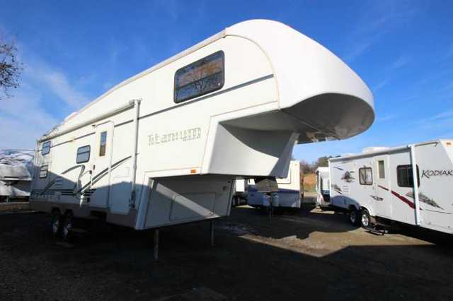 2002 Used Glendale Titanium Fifth Wheel In California Ca