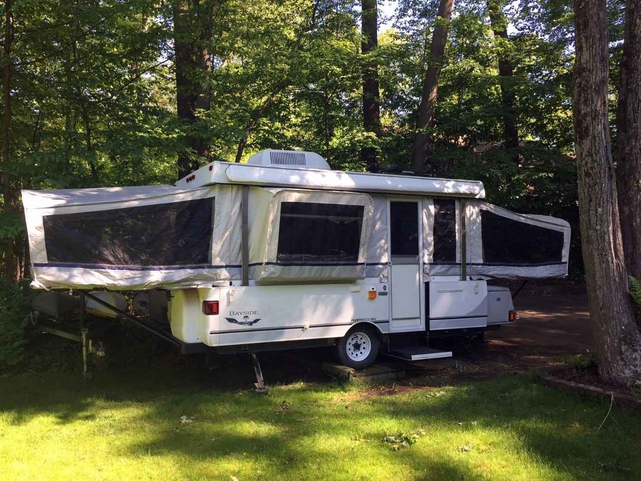 2003 Used Coleman Bayside Elite Pop Up Camper In Michigan Mi