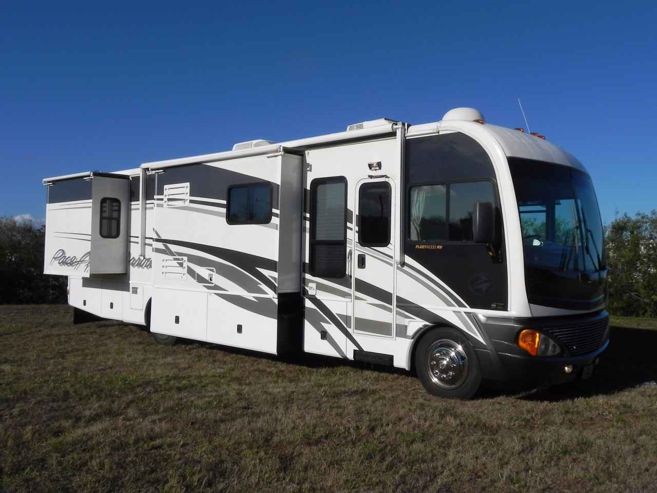 2004 Used Fleetwood Pace Arrow 37c Class A In Florida Fl