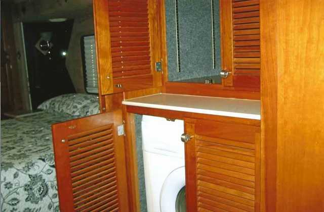 2004 Used Fleetwood Revolution 40 Class A In Arizona Az