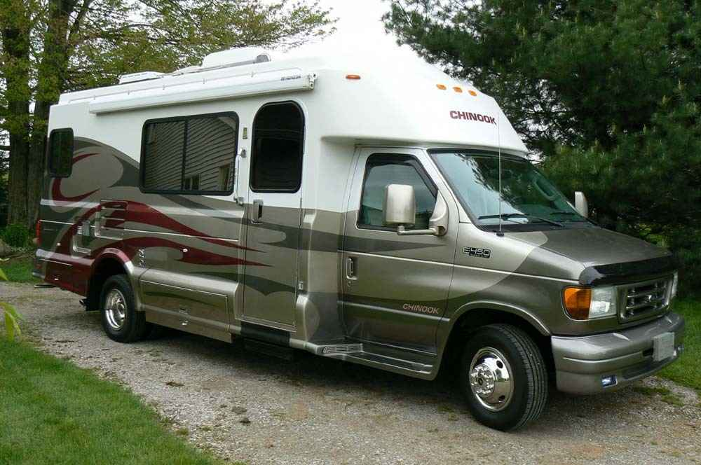 2005 Used Chinook Glacier 2500 Class B In Pennsylvania Pa