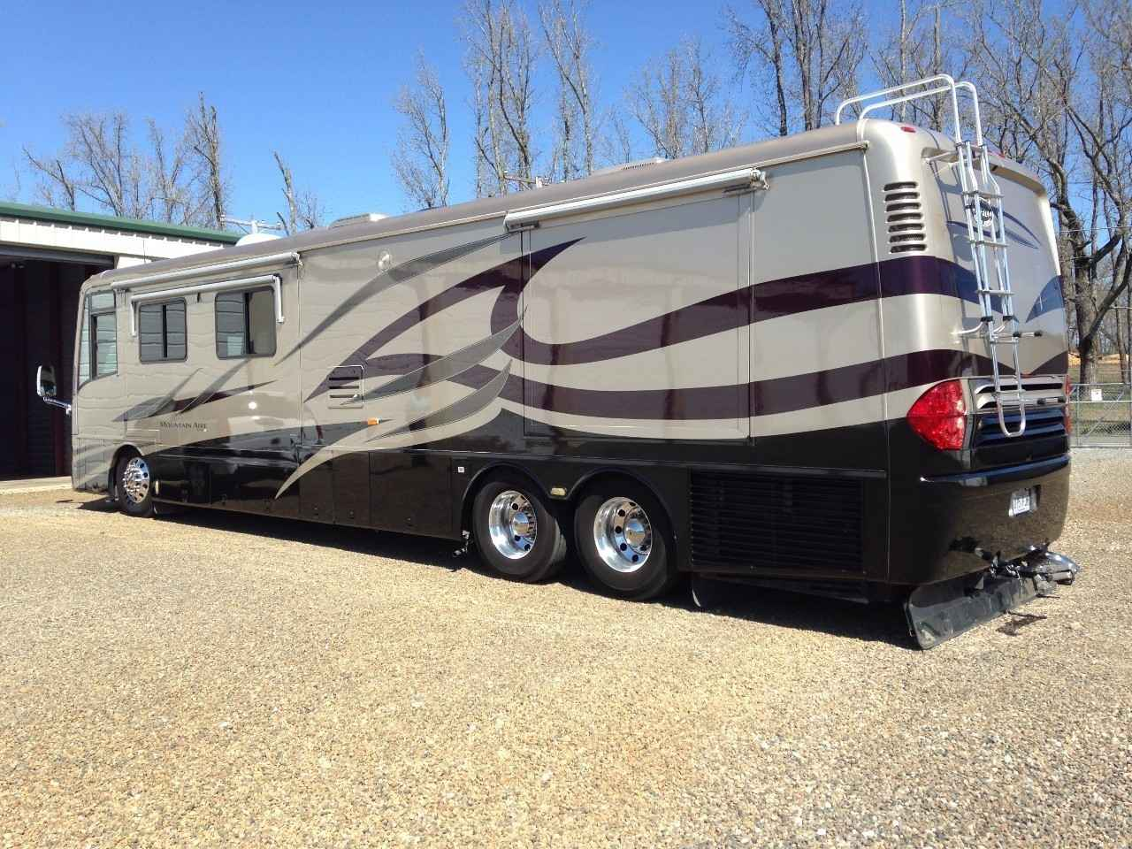2005 used newmar mountain aire 4304 class a in arkansas ar. Black Bedroom Furniture Sets. Home Design Ideas