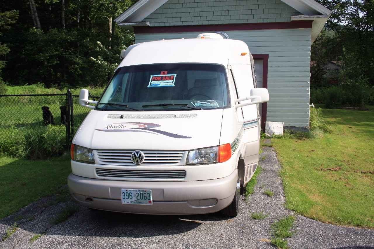 2005 Used Winnebago Rialta 22qd Class B In New Hampshire Nh