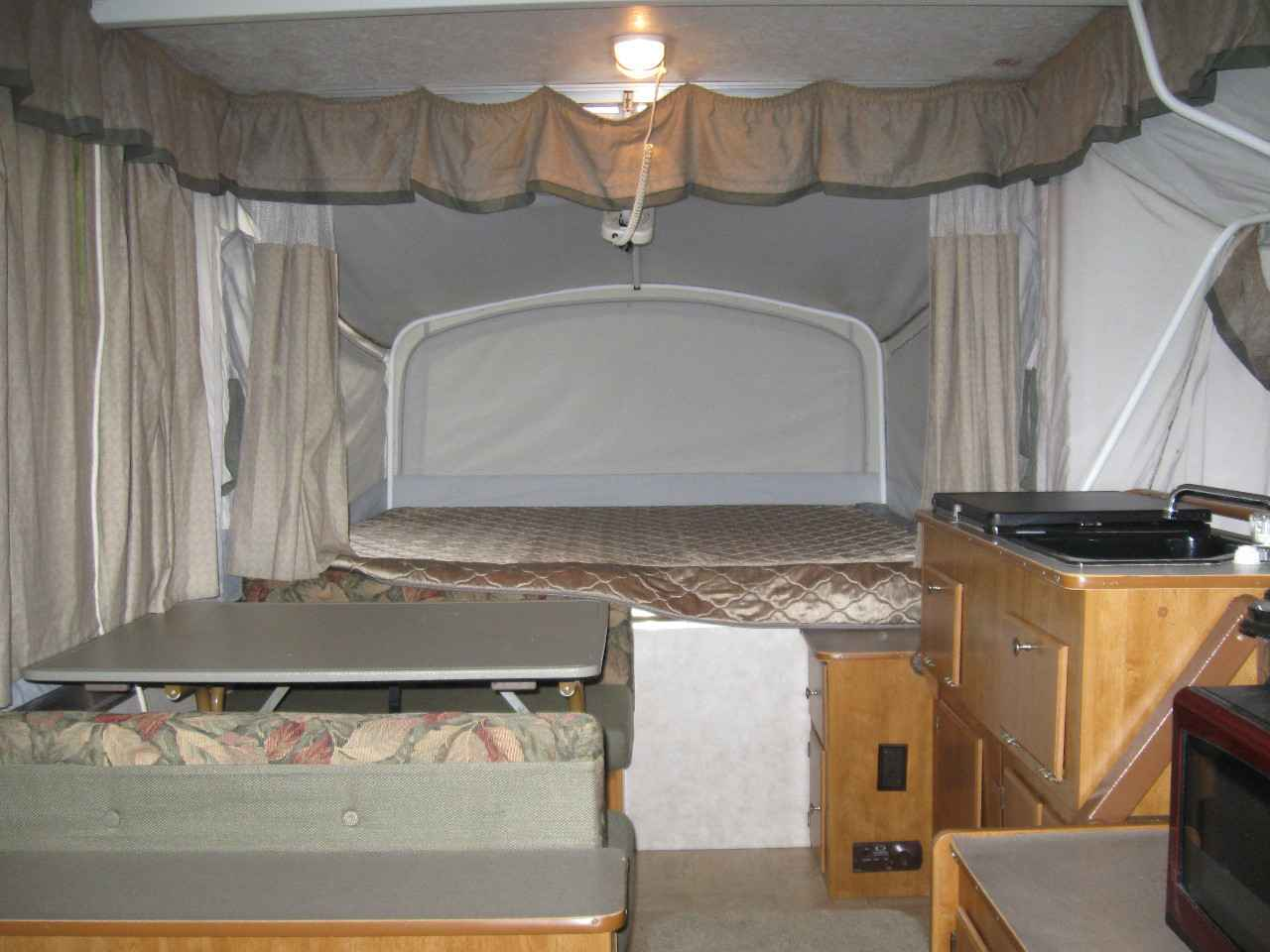 2006 Used Fleetwood Americana Sun Valley Pop Up Camper In