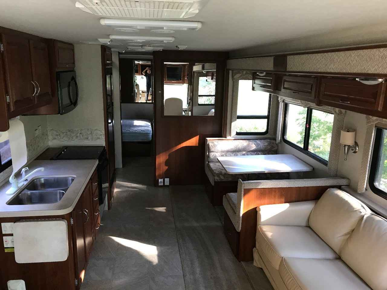 2006 Used Fleetwood Bounder 32w Class A In Indiana In
