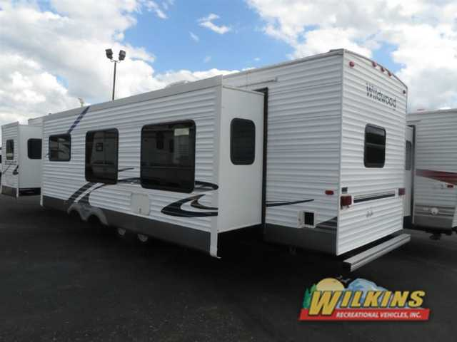 2006 Used Forest River Rv Wildwood 381bhds Park Model In