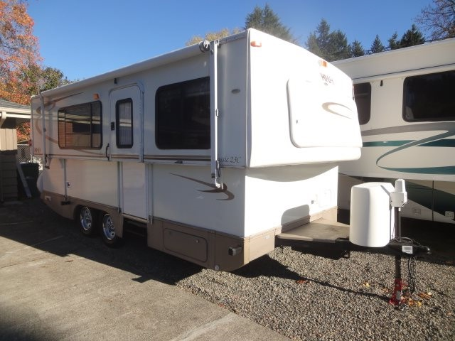 2006 Used Hilo 23c Travel Trailer In Oregon Or