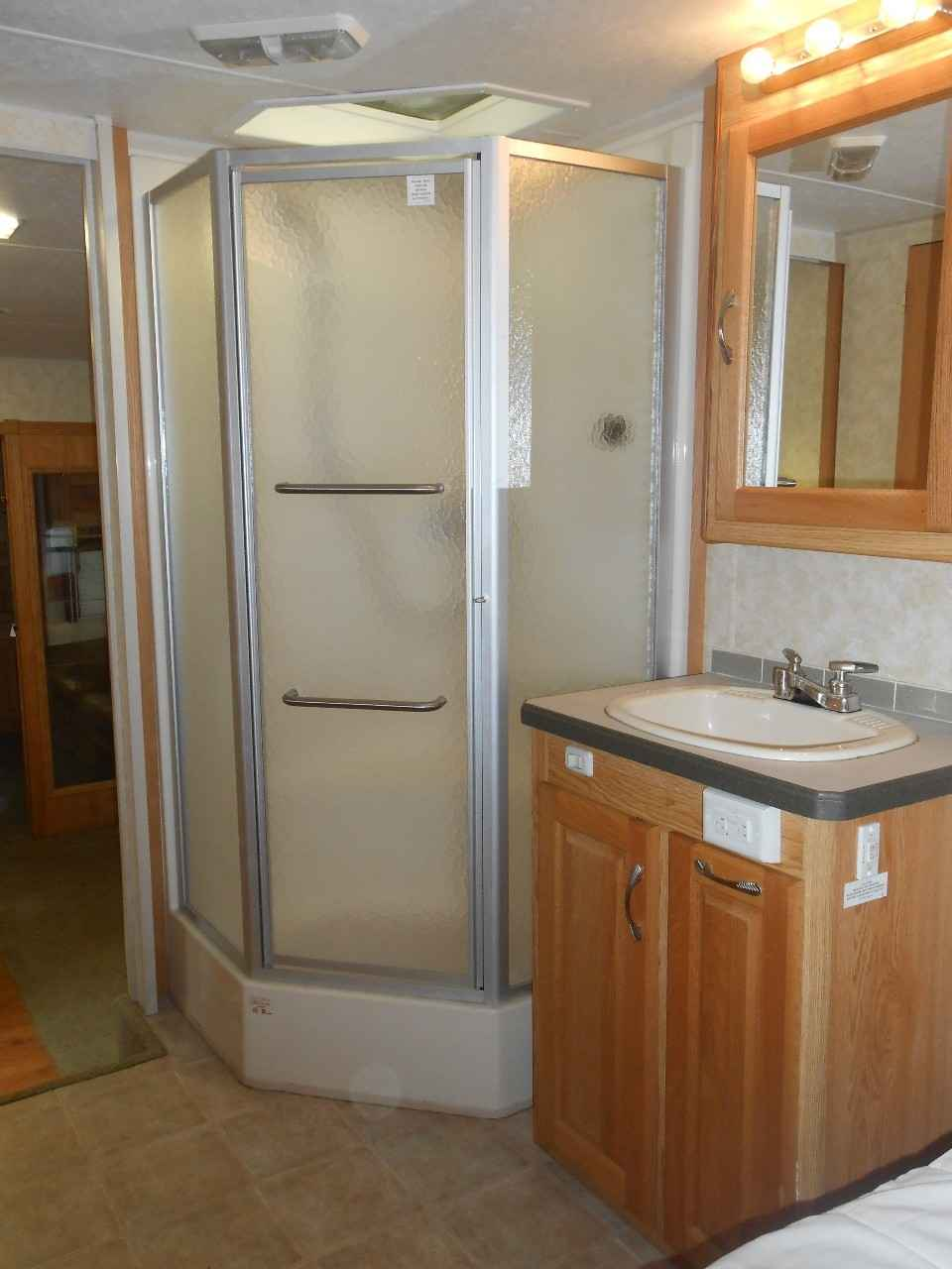 2006 Used Holiday Rambler Alumascape 36req Fifth Wheel In