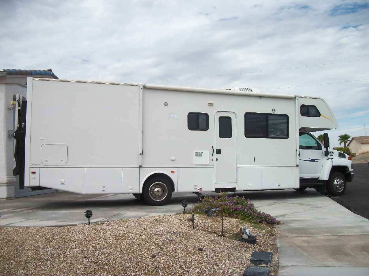 2006 used thor motor coach four winds fun mover 33c class for Thor motor coach four winds