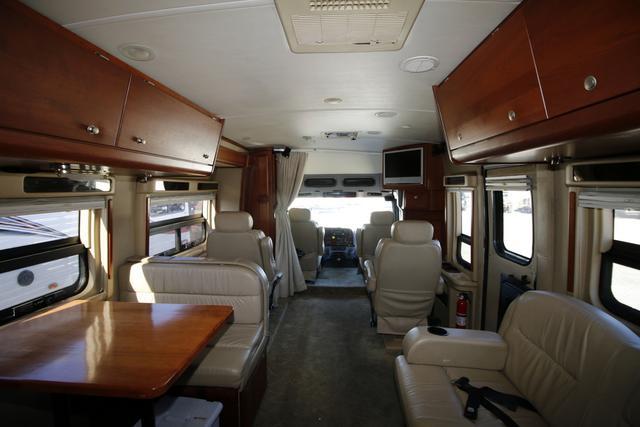 2007 Used Dynamax DYNAQUEST 275 ST Class C in Missouri MO