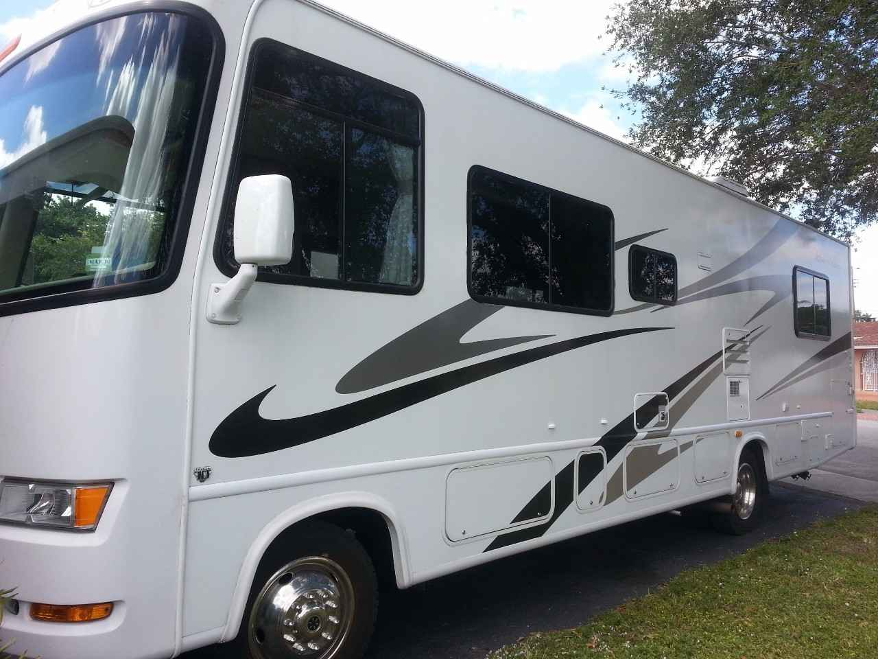 2007 Used Thor Motor Coach Four Winds 29q Class A In