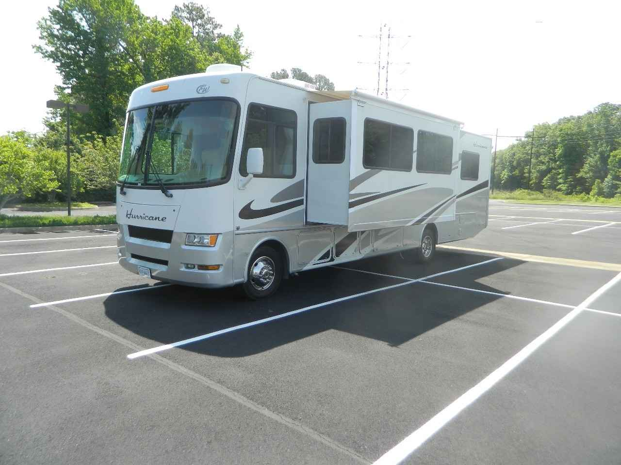 2007 used thor motor coach hurricane 33h class a in for Class a motor coach