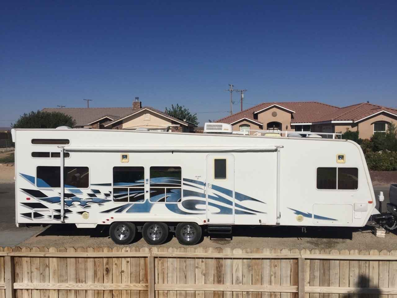 2007 Used Weekend Warrior Fs3000 Toy Hauler In California Ca