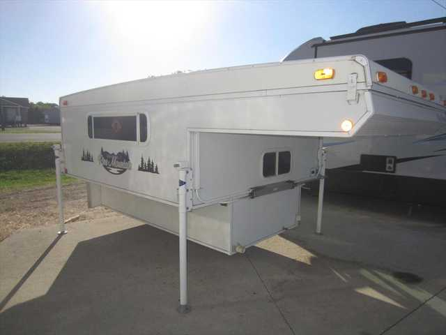 2008 Used Starcraft Pine Mountain Lonestar Truck Camper In