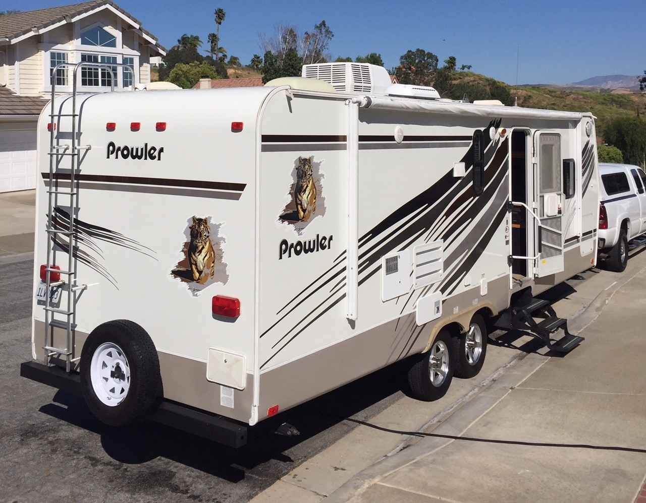 2009 Used Fleetwood PROWLER 250RLS Travel Trailer in ...