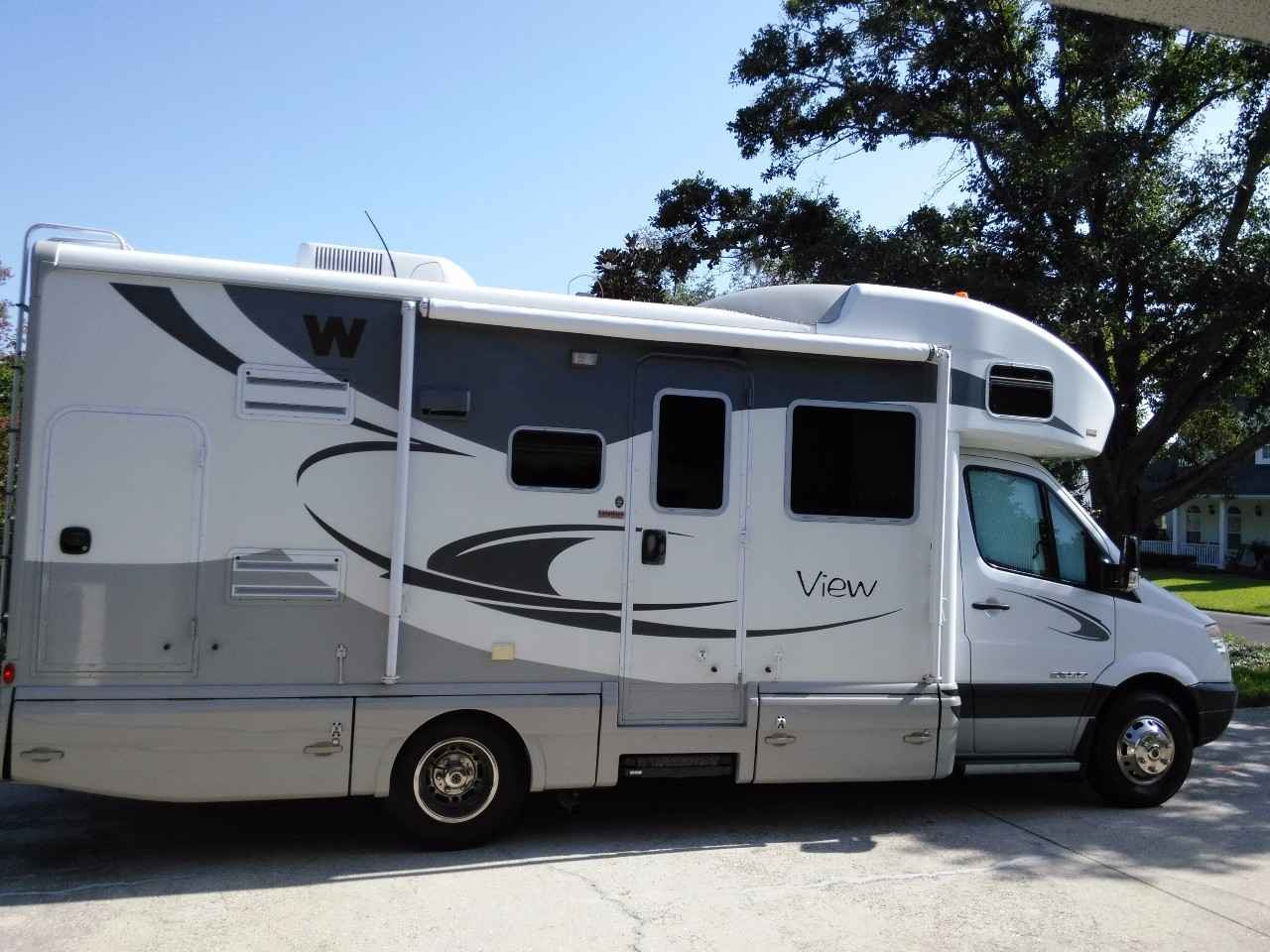 Cool  Winnebago Fuse 23T Offers A More Affordable Fuel Efficient Chassis With A Broader Dealer Network For Servicing That Saves Nearly $23,000 Compared To The Winnebago View And Itasca Navion, And Includes Slightly More Torque Or