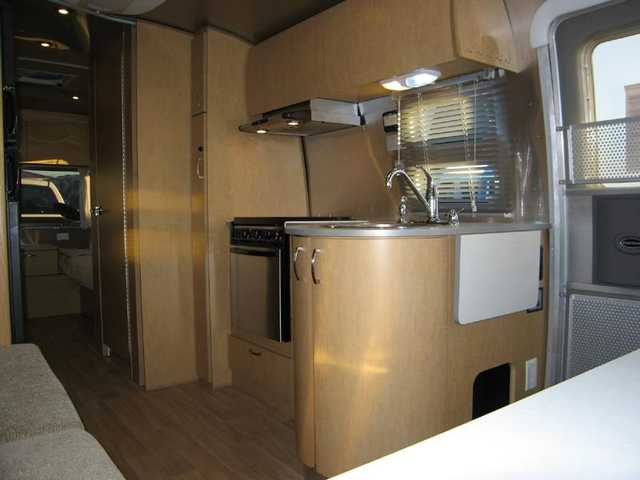 2010 Used Airstream Flying Cloud 25FB Twin Travel Trailer in