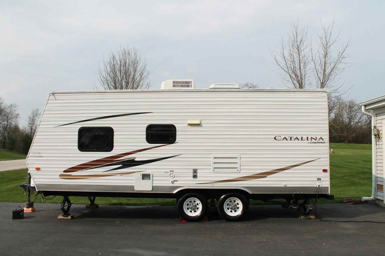 2010 Used Catalina 21BH Travel Trailer in Illinois IL $6,000