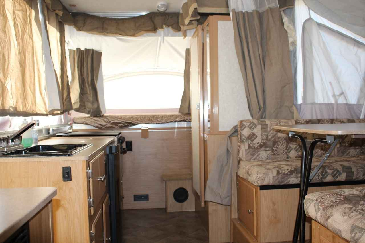 2010 Used Coleman Highlander Niagara Pop Up Camper In