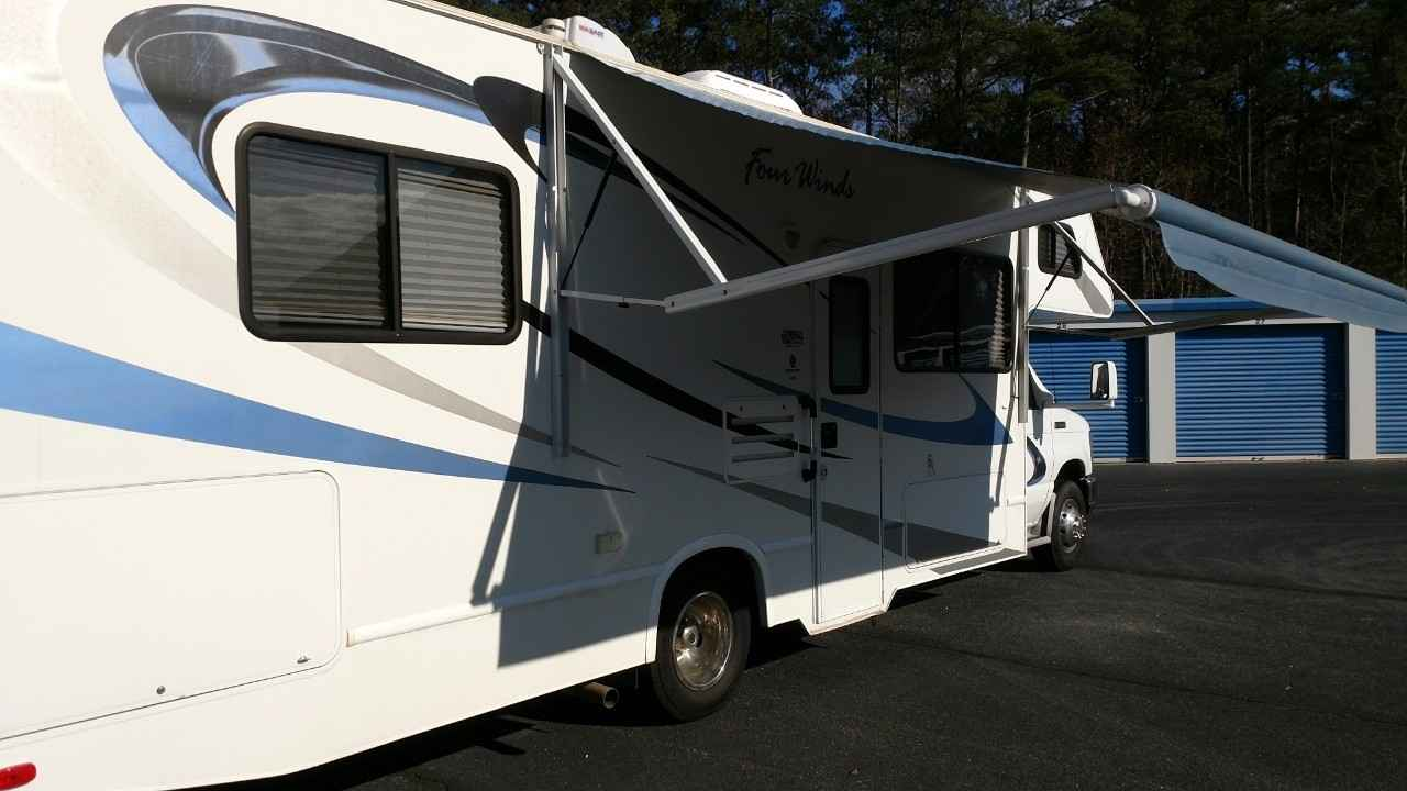 2010 used thor motor coach four winds 28a class c in for Class c motor coach