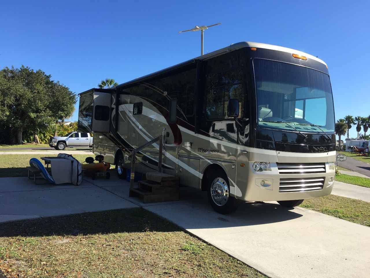 2010 Used Thor Motor Coach Windsport 34u Class A In Florida Fl