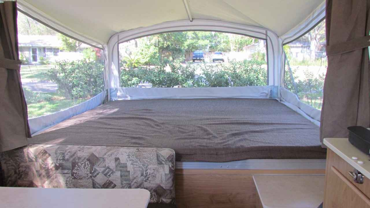 2011 Used Coleman Americana Le Sun Valley Pop Up Camper In