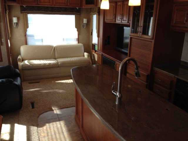 2011 Used Drv Mobile Suites 38rssb3 Fifth Wheel In Kentucky Ky
