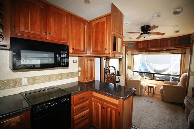 2011 Used Dutchmen Grand Junction 300rl Fifth Wheel In