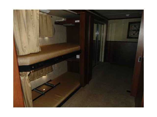 2011 Used Fleetwood Bounder 34b Class A In Oklahoma Ok