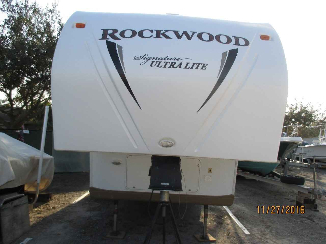 2011 Used Forest River Rockwood Signature Ultra 8265ws