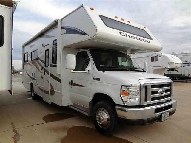 2011 Used Four Winds Rv Chateau 25c Class C In Illinois Il