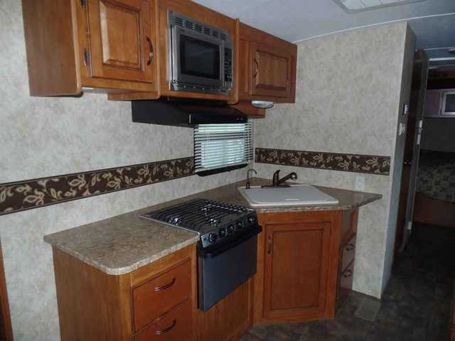 2011 Used Keystone Rv Bullet Premier 29repr Travel Trailer