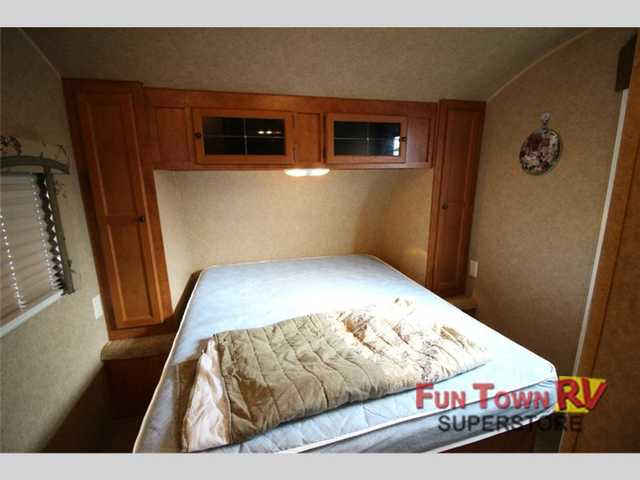 2011 Used Skyline Mountain View 2650 Travel Trailer In