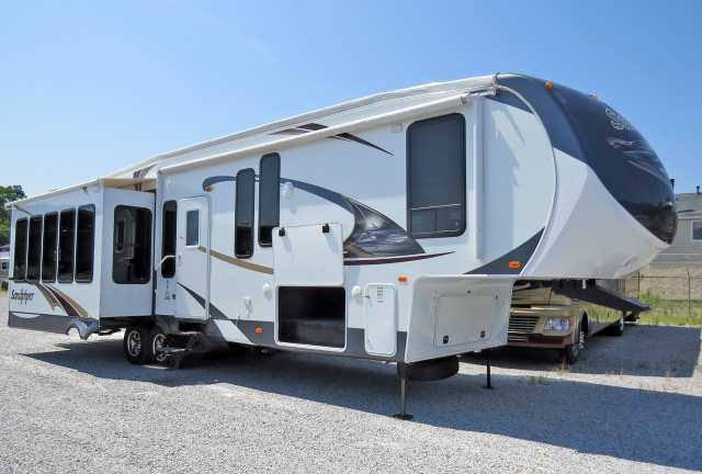 2012 Used Forest River Sandpiper 345ret Fifth Wheel In