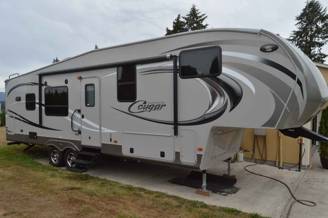 2012 Used Keystone Cougar High Country 299rks Fifth Wheel