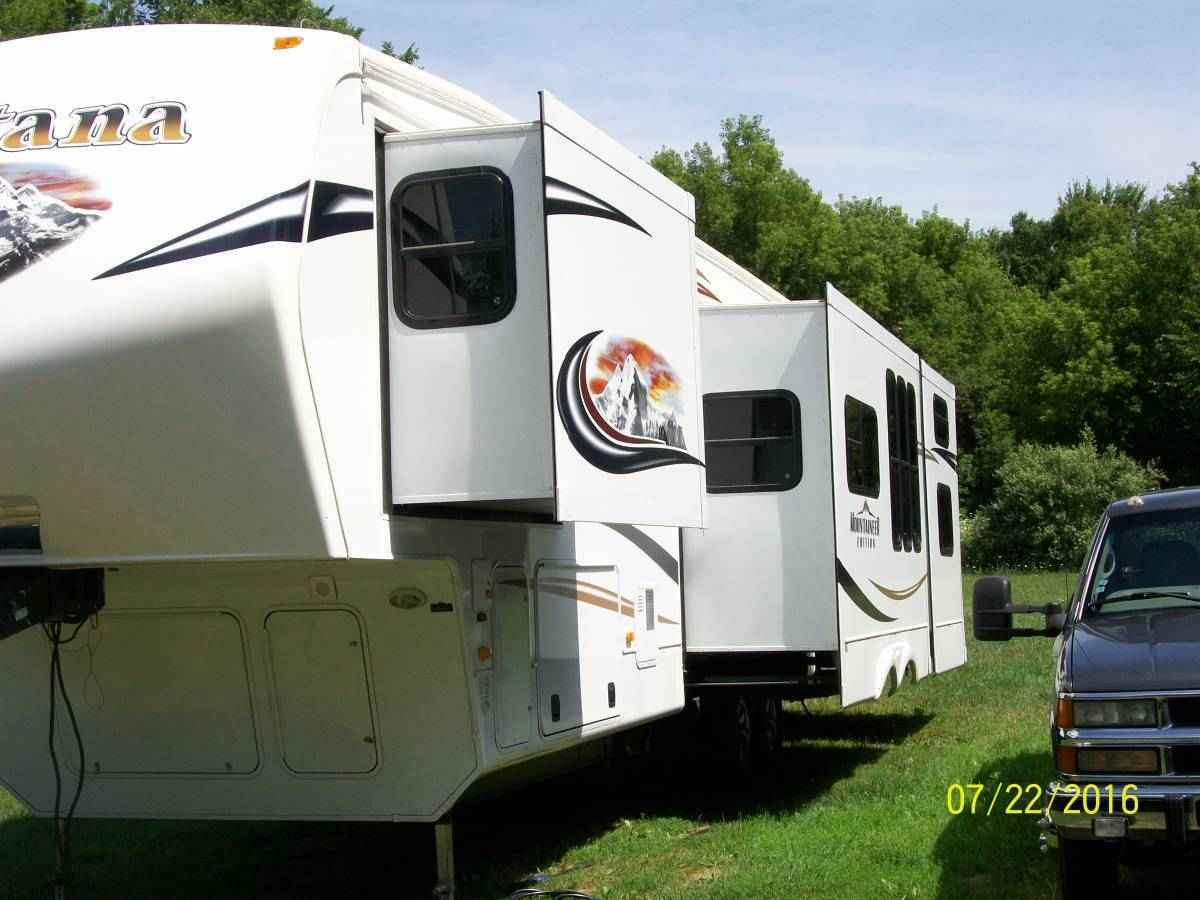 2012 Used Keystone Montana Mountaineer 346lbq Fifth Wheel